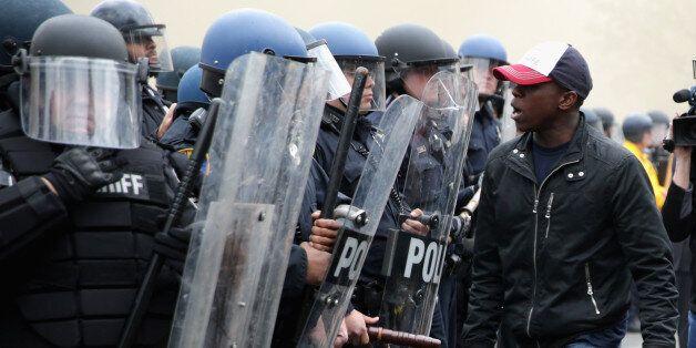 Emeutes à Baltimore: un air de déjà-vu aux Etats-Unis après une série de bavures policières contre les