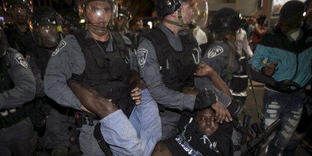Une manifestation de soutien aux Israéliens d'origine éthiopienne dégénère à Tel-Aviv et fait une cinquantaine...