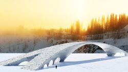 Ce pont de glace de 100 mètres de long peut battre un