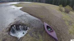 Ce lac disparaît tous les ans et maintenant on sait