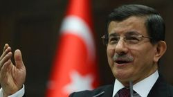 Ahmet Davutoglu dénonce le