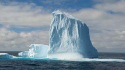 L'épaisseur des glaces autour de l'Antarctique nettement