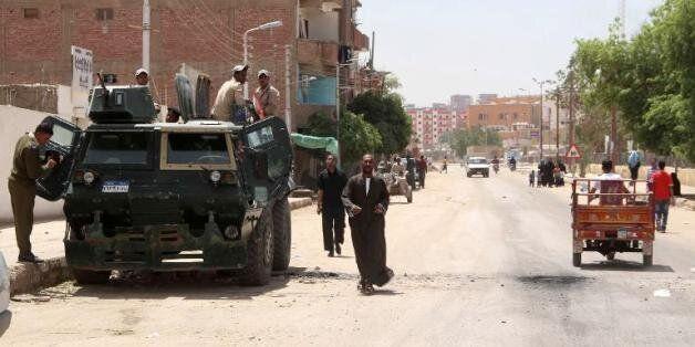 Égypte: Deux morts dans l'explosion d'une bombe près d'un