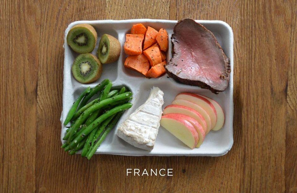 Des plateaux-repas d'écoliers à travers le monde