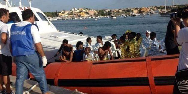 Italie: Au moins dix morts après le naufrage d'un bateau transportant des