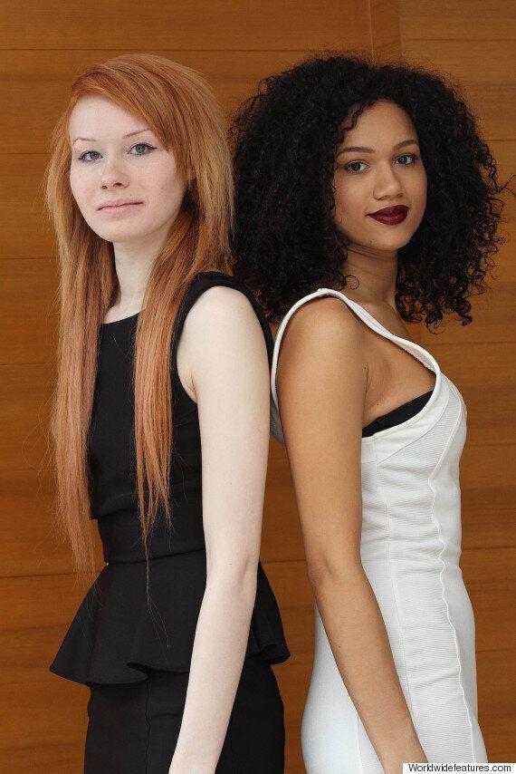Lucy et Maria Aylmer ne sont pas seulement sœurs, elles sont aussi jumelles