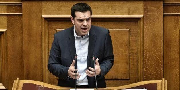 Grèce: Tsipras fidèle à ses promesses et réclame un accord avec