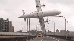 22 morts, 21 disparus dans le crash d'un avion tombé dans une