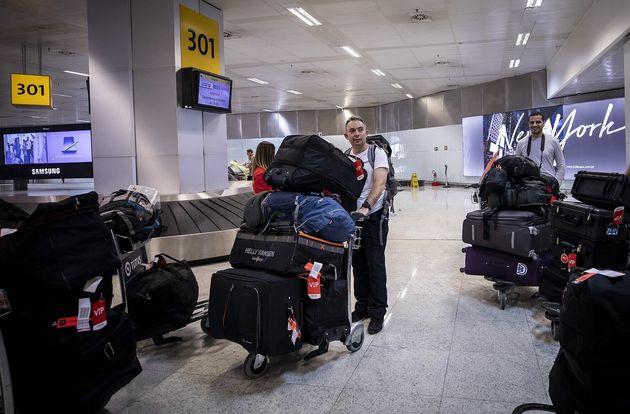 Congresso mantém veto de Bolsonaro a projeto que liberava bagagem