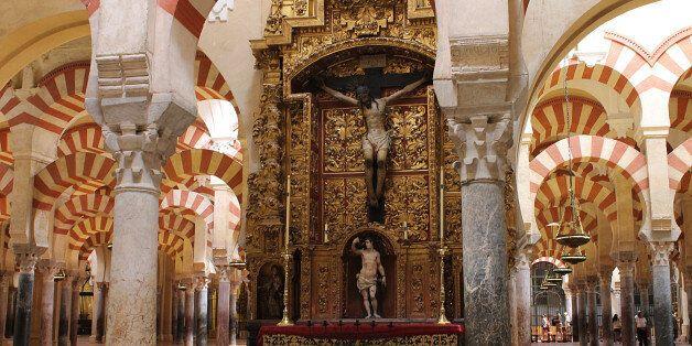 En Espagne, l'héritage religieux de la mosquée-cathédrale de Cordoue fait l'objet d'une