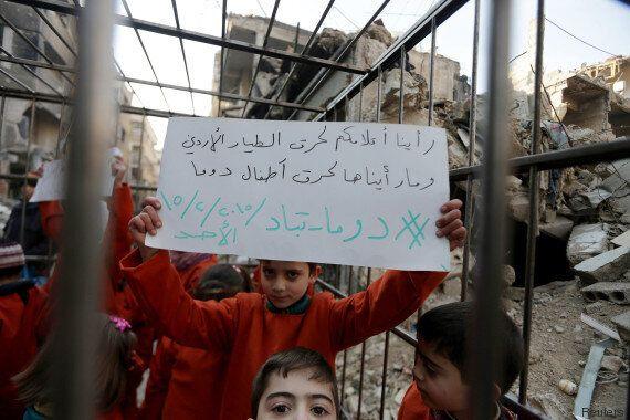 Syrie: pour protester contre Bachar el-Assad, des enfants doivent rejouer l'exécution de Maaz al-Kassasbeh,...