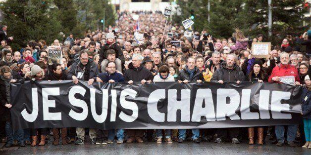 EN DIRECT. Charlie Hebdo: le grand rassemblement à Paris et les autres marches républicaines en