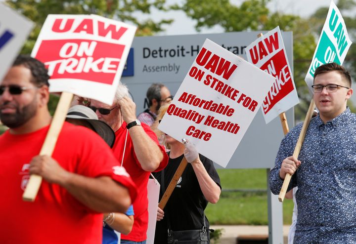 GM Reverses Course On Decision To Cut Off Health Care For Striking Workers
