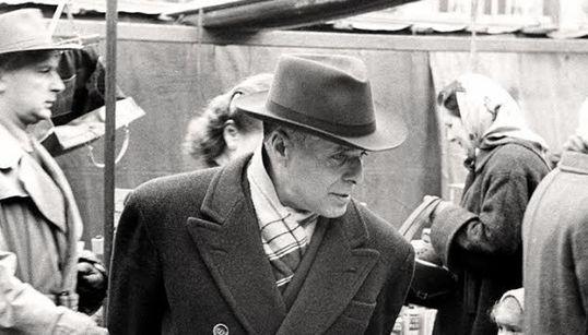 Cérès a 50 ans: Bourguiba au marché (PHOTO