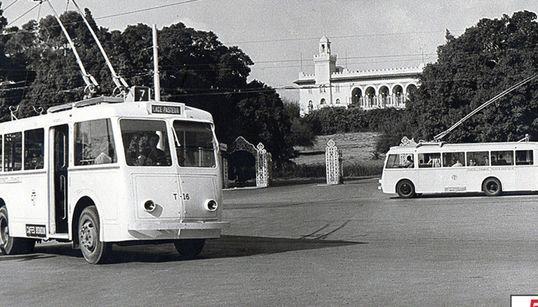 Cérès a 50 ans: 1960. Le trolleybus à Tunis-Pasteur (PHOTO