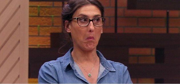 Paola prova burger vegetal que 'imita' carne e dá o veredito: 'Uma b*sta