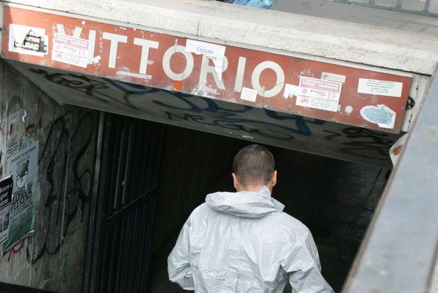 Ιταλία: Άνδρας άρπαξε το όπλο σεκιουριτά και αυτοκτόνησε στο μετρό της