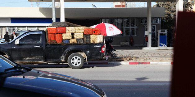 Des véhicules de Tunisiens présumés