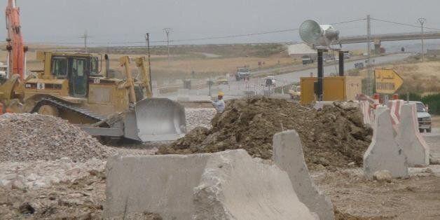 Dégagé de l'Autoroute Est-Ouest, le japonais COJAAL réclame 910 millions de dollars, l'Algérie dit