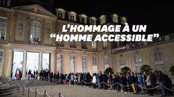 Une file interminable d'anonymes à l'Élysée pour rendre hommage à