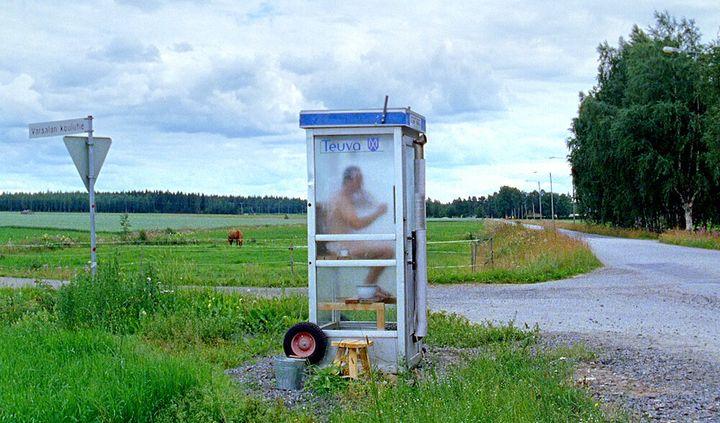 日本ではお目にかかれない、電話ボックス型サウナ