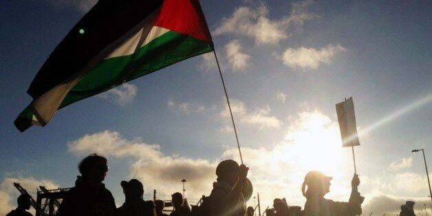 Les militants au port d'Oakland, une première qui a fait parler du BDS aux