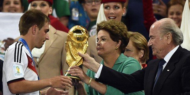 Le Brésil en récession à presque un mois des élections, plombé par sa Coupe du
