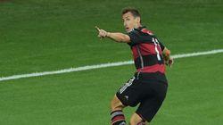 Mondial: Klose bat Ronaldo dans son premier jardin pour le Record de