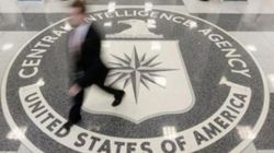 Facebook/Twitter: Attention, la CIA va vous poker ou vous