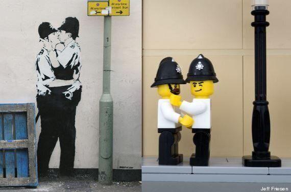 Les œuvres de Banksy transformées en Lego