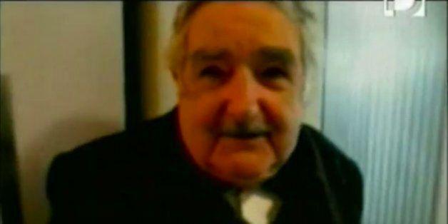 Coupe du monde 2014: Le président uruguayen José Mujica injurie la Fifa après la morsure de Luis
