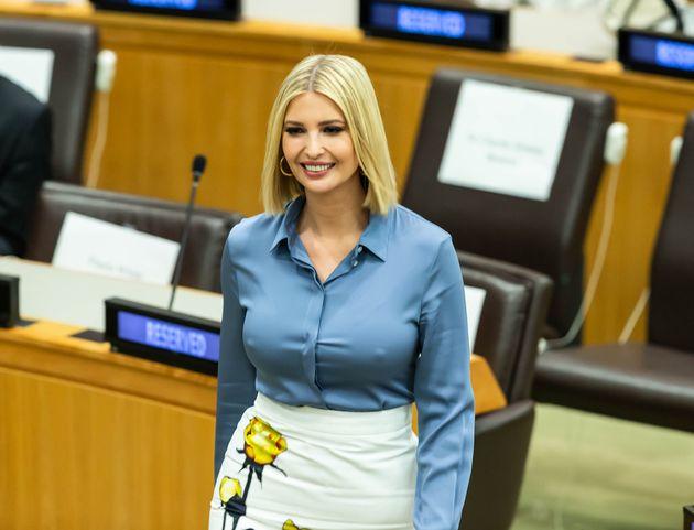 Η Ιβάνκα Τραμπ πήγε στον ΟΗΕ με τον μπαμπά της αλλά τώρα όλοι μιλάνε για το στήθος