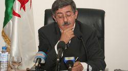 Constitution, Ouyahia fait ses