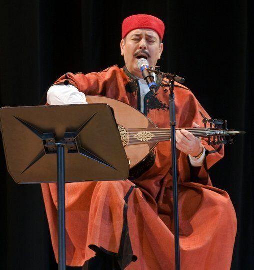 Le chanteur tunisien Lotfi Bouchnak dans un spectacle musical sur l'Histoire de l'Islam et la vie du...