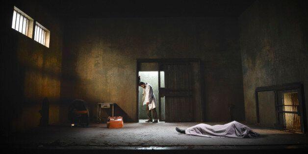 Le cadavre de Mohamed Bouazizi dans une pièce de théatre