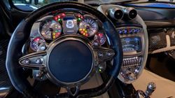 Au volant d'une voiture de luxe... en quelques