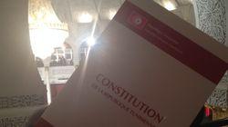 Après l'adoption de la Constitution, beaucoup de choses restent à