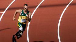 Un an après avoir tué sa petite amie, Pistorius parle de sa