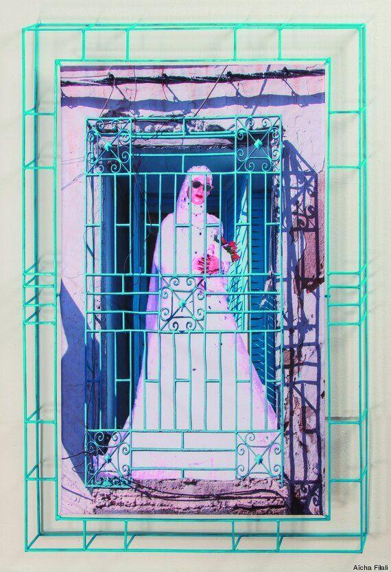 Clichés de mariages en pagaille, à découvrir à l'expo décapante de Aïcha