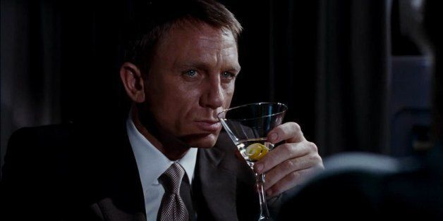 James Bond 007: L'agent secret britannique est un alcoolique (PHOTOS,