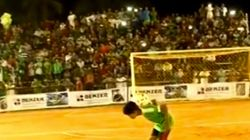 Une tribune de stade s'effondre en Inde et fait de nombreux