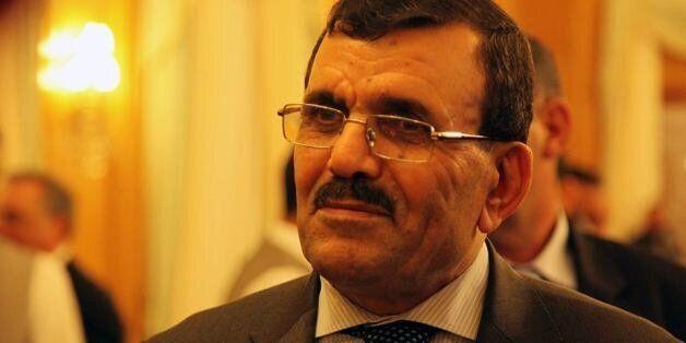 Tunisie: Larayedh annonce la suspension des nouvelles taxes sur le transport avant de