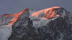 Il Monte Bianco si tinge di rosa. Il tramonto è mozzafiato, ma aumenta il rischio