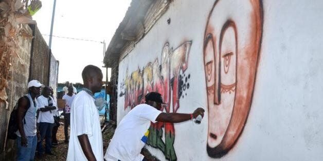 Au Gabon, l'art de rue et les graffitis contre le