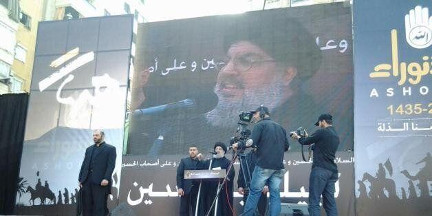 Capture d'images de la chaîne du Hezbollah Al-Manar montrant le chef du Hezbollah libanais, Hassan Nasrallah,...