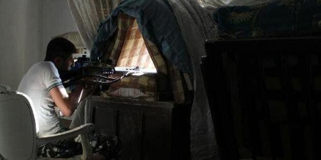 Les condamnations de la Syrie se poursuivent, les plans en coulisse se