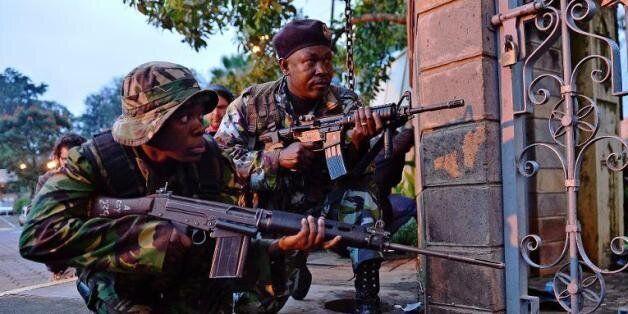 Les insurgés islamistes somaliens shebab ont menacé lundi d'abattre les otages encore retenus par les
