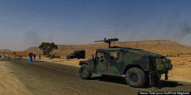 Blindé de l'armée tunisienne à proximité des