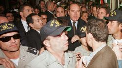 Mort de Jacques Chirac: les internautes partagent en masse les images de son coup de colère en