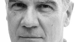 """Edoardo Albinati: """"En las violaciones en grupo los hombres usan a la mujer como encuentro con el sexo del"""